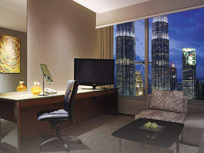 Traders Hotel KL suite with Twin Towers view