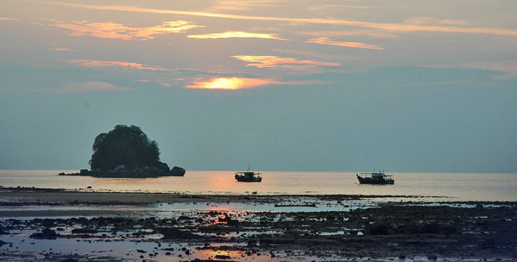 Tioman by Dale on Flickr flic.kr/p/5huBM